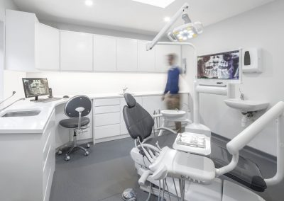 fully equipped clinic for all your dental implants treatments near me in Dublin